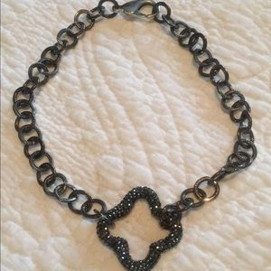 Jewelry - NWOT quatrefoil chocker